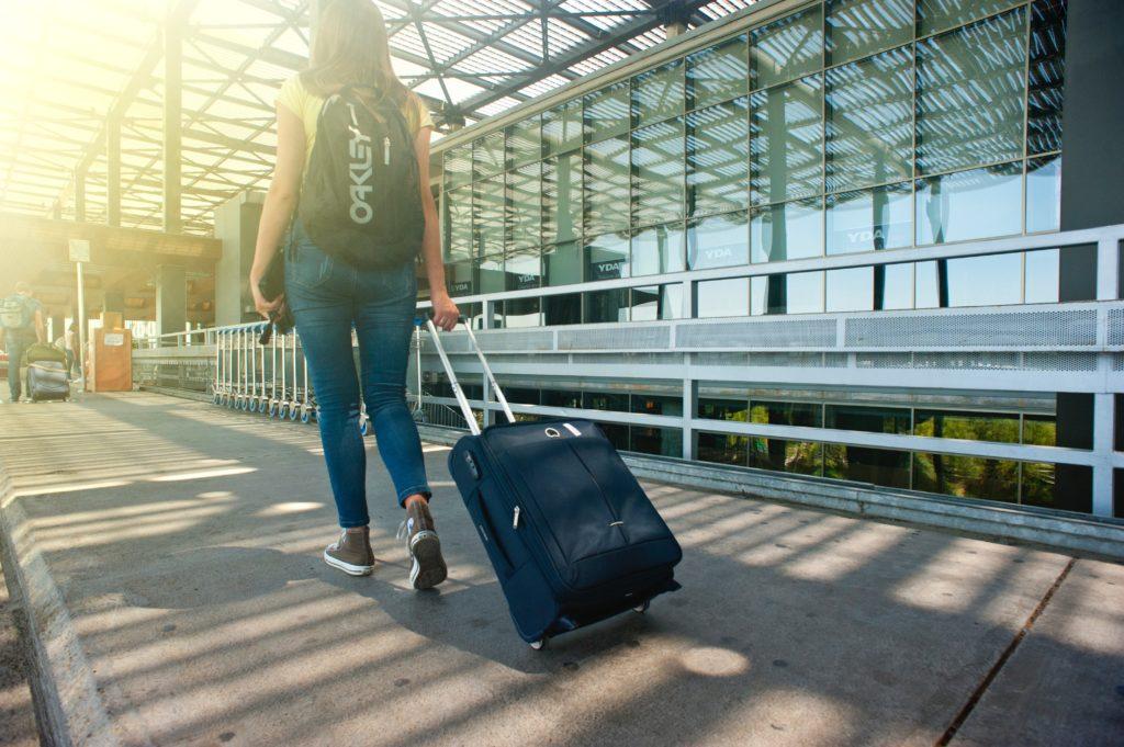 persona viajando